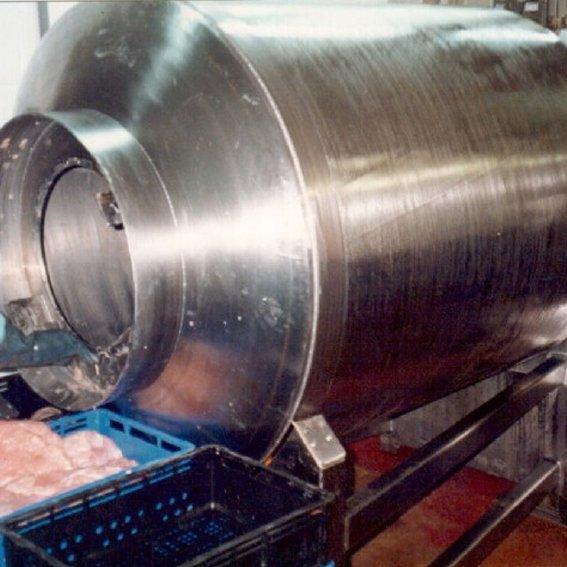 מערבל (טאמבלר) לעיבוד בשר