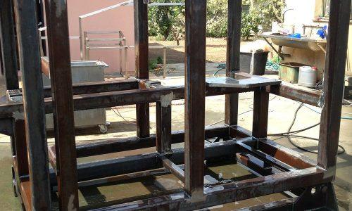 קונסטרוקציית ברזל למכונה בפס היצור 1