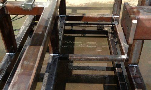 קונסטרוקציית ברזל למכונה בפס היצור 5