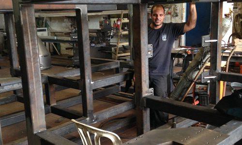 קונסטרוקציית ברזל למכונה בפס היצור 7