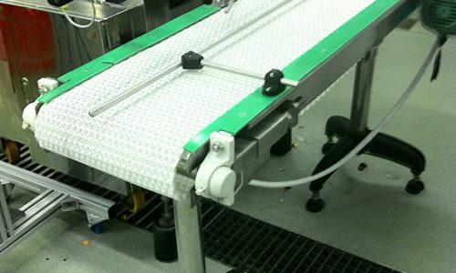 מסוע להעברת מוצרים מקו ייצור לשולחן אגירה 1