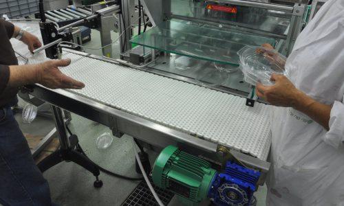 מסוע להעברת מוצרים מקו ייצור לשולחן אגירה 4